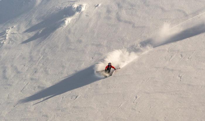 Pete catching the last light, a short tour from Narvikfjellet. Photo: Sophie Stevens