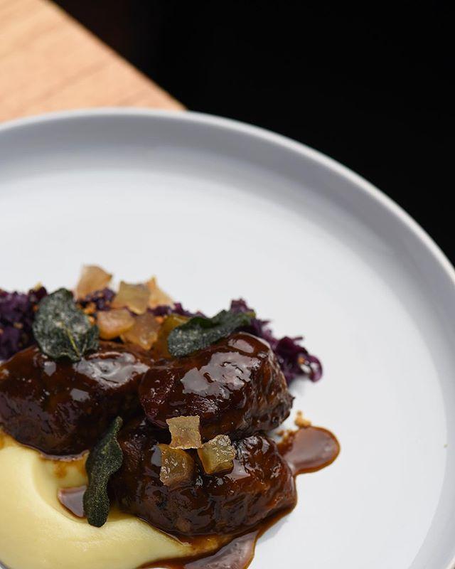 Pork cheeks, cabbage, parsnip, pear  Winter @bistroselle  #bistro #braise #pork #visitaw #porkcheek #redcabbage #parsnips #pear #agrodolce #sage  Shot @markjesser