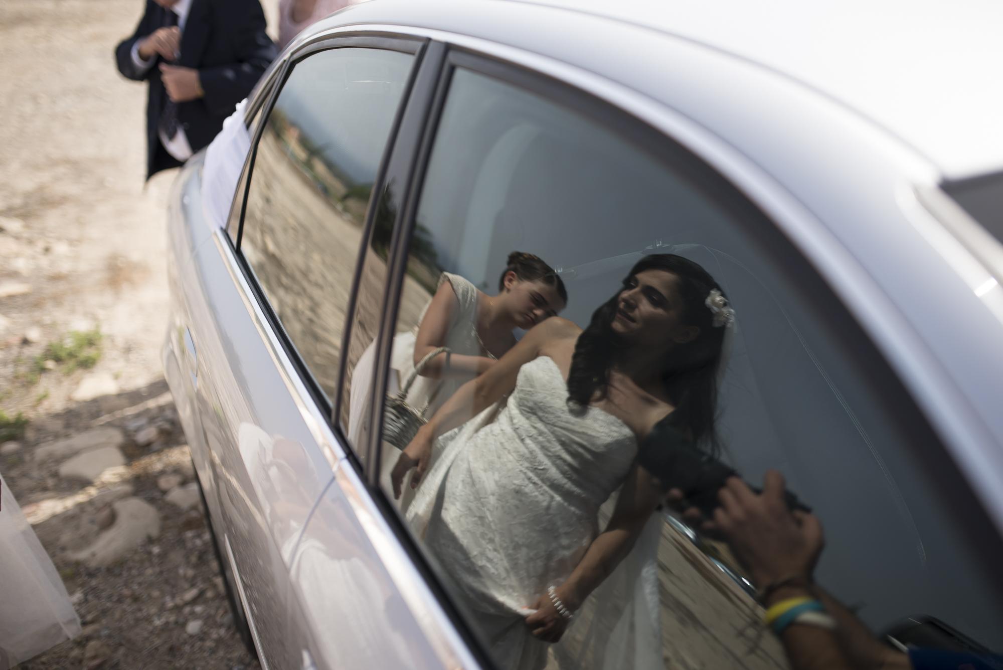 6.bridereflection_weddingPortfolio_CMP.jpg