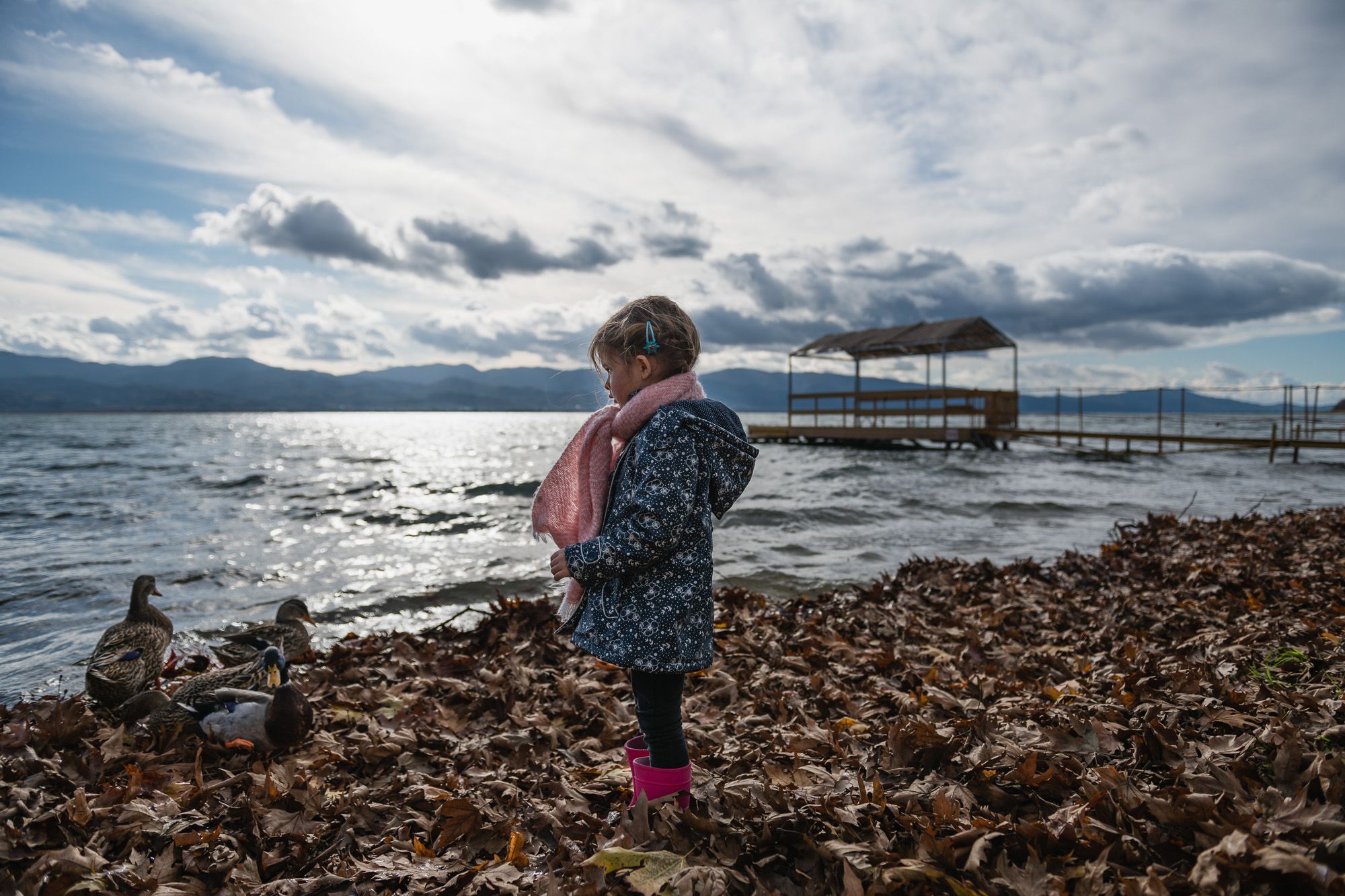 the girl by the lake greece session.jpg