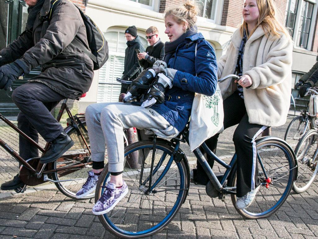 LilyWanderlust-Amsterdam-Frozen-Canals-1.jpg