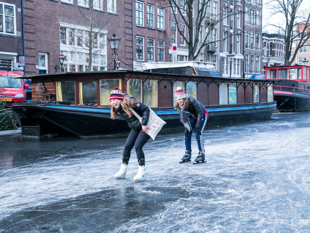 LilyWanderlust-Amsterdam-Frozen-Canals-3.jpg