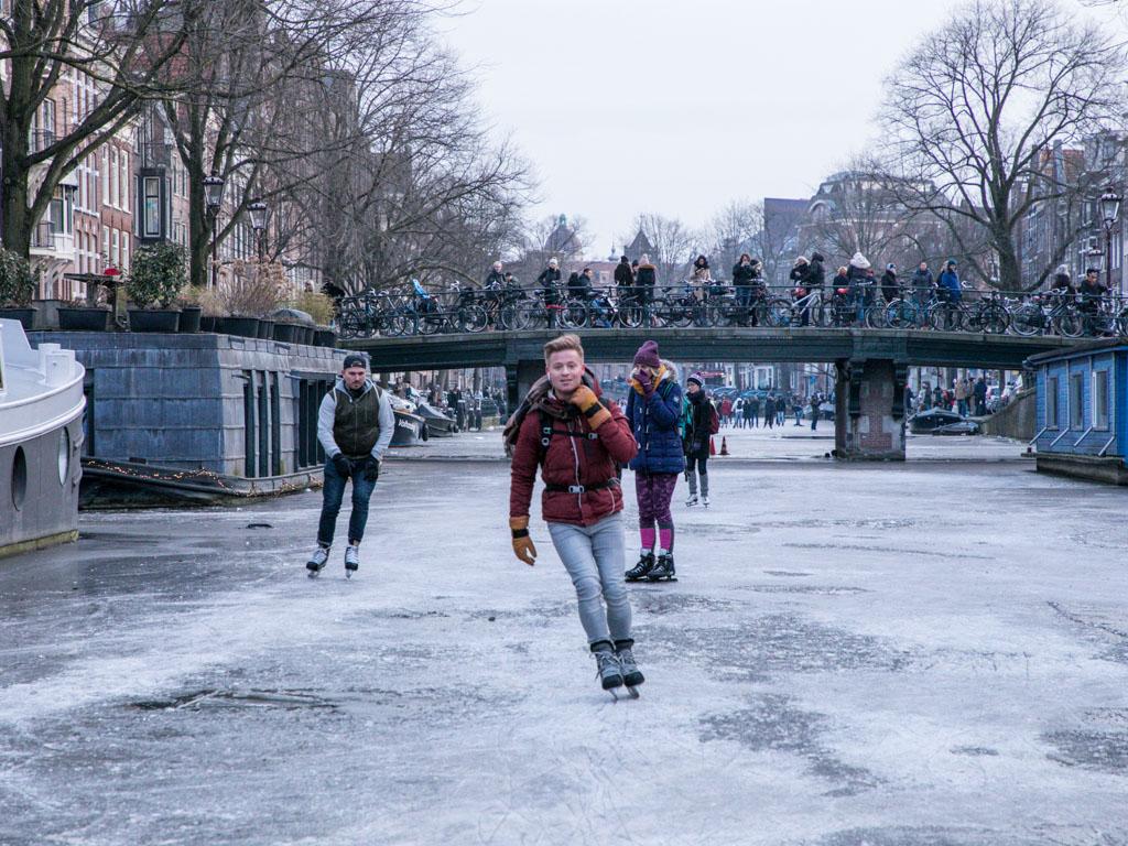 LilyWanderlust-Amsterdam-Frozen-Canals-18.jpg