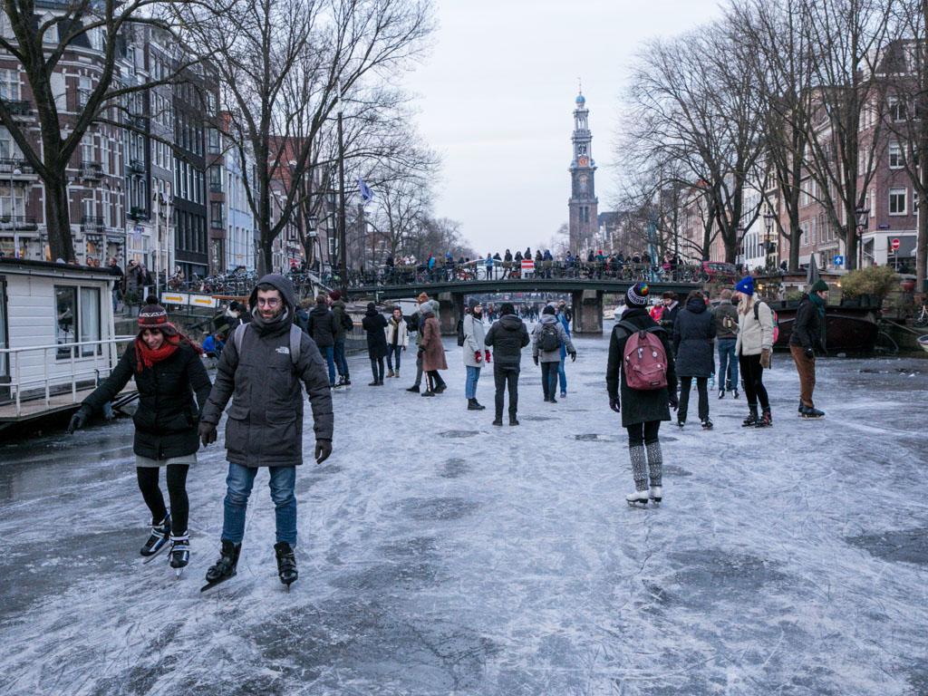 LilyWanderlust-Amsterdam-Frozen-Canals-19.jpg
