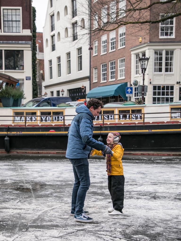 LilyWanderlust-Amsterdam-Frozen-Canals-43.jpg