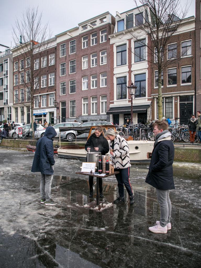 LilyWanderlust-Amsterdam-Frozen-Canals-47.jpg