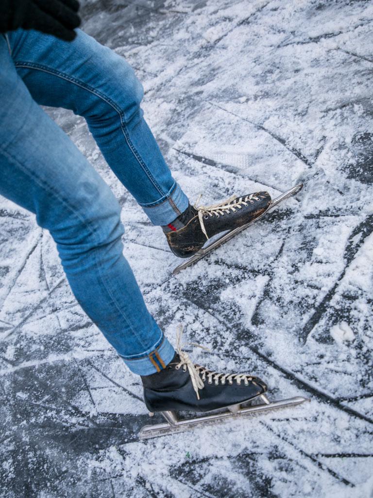 LilyWanderlust-Amsterdam-Frozen-Canals-50.jpg
