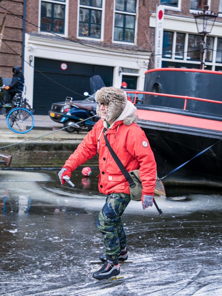 LilyWanderlust-Amsterdam-Frozen-Canals-53.jpg