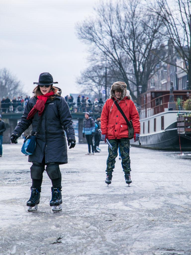 LilyWanderlust-Amsterdam-Frozen-Canals-54.jpg