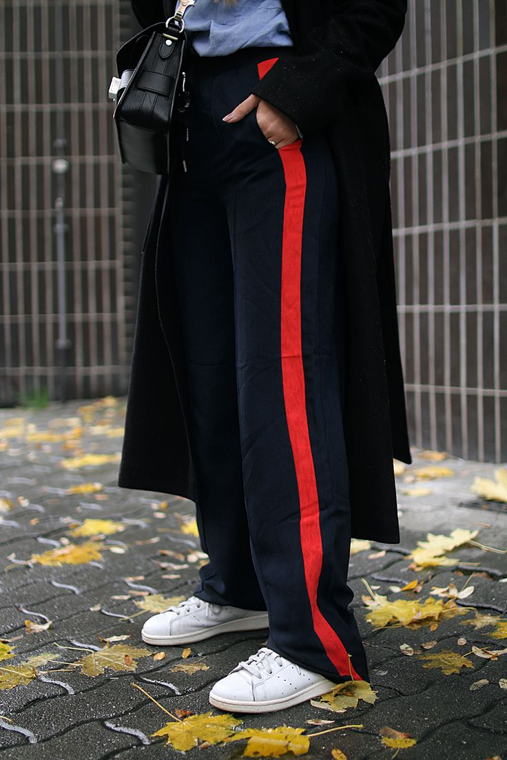 07261829c15d9c3b97e2f22dd29c75b0--stripe-pants-outfit-side-stripe-trousers.jpg