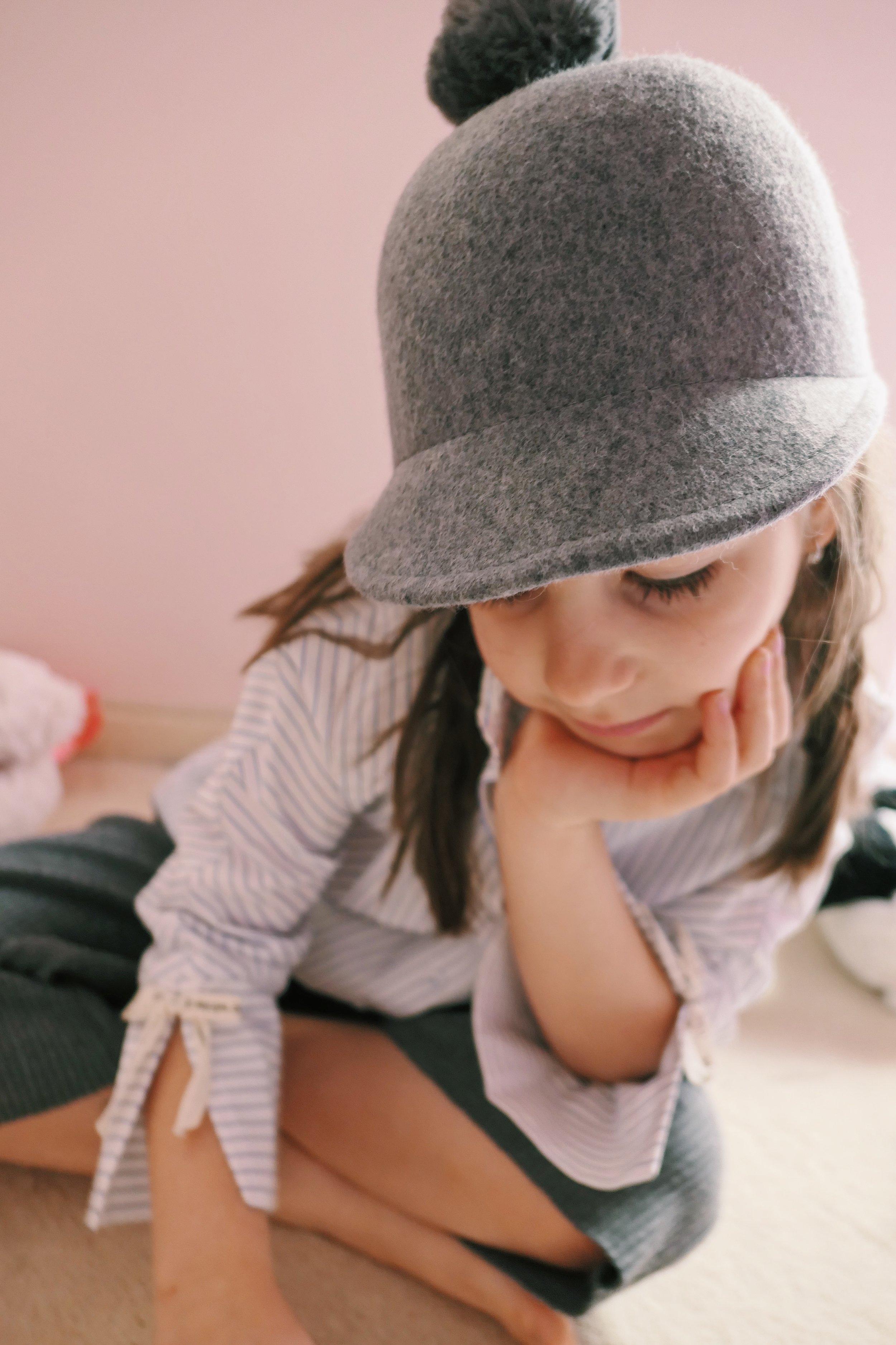 риза Zara панталон Zara шапка Zara