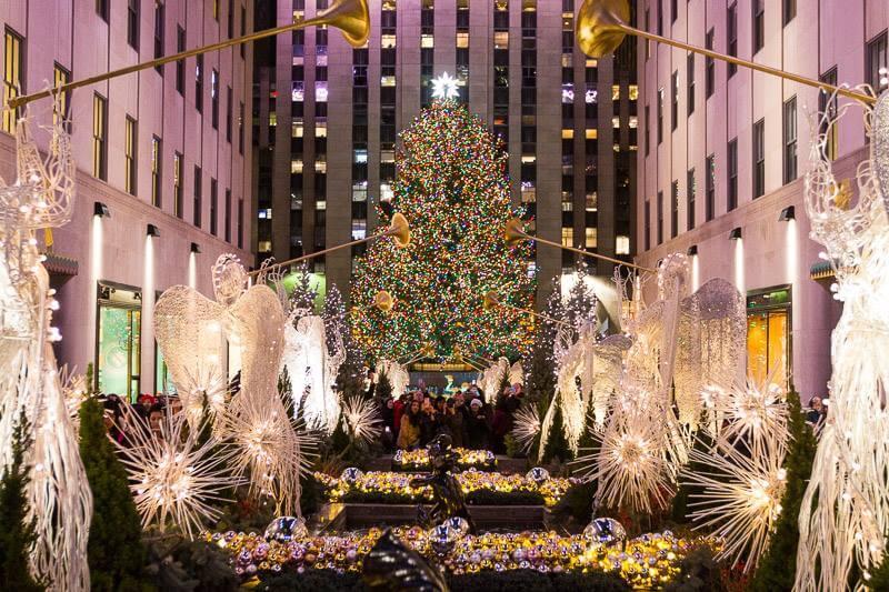 Rockefeller-Plaza-New-York-City-at-Christmas.jpg