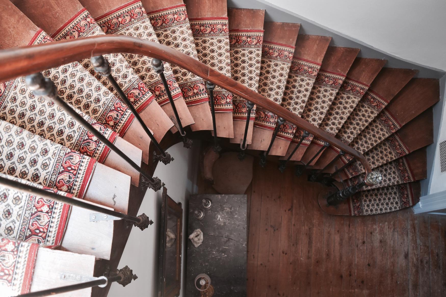 windy stairs web.jpg