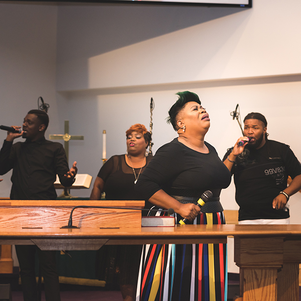 """Chart-topping recording artist, Maranda Curtis, worship leader at Bishop T.D. Jakes' """"The Potter's House"""" was Dianna Hobbs' special guest at Activate 2018 (Photo Credit: J Marie Photography)"""