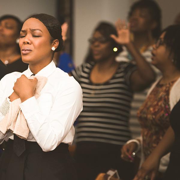 Dianna Hobbs worships (Credit: 716 Photography)