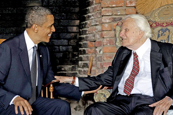 President Obama meets with the late Billy Graham at his home in Montreat, N.C. (Credit: White House via Associated Press)