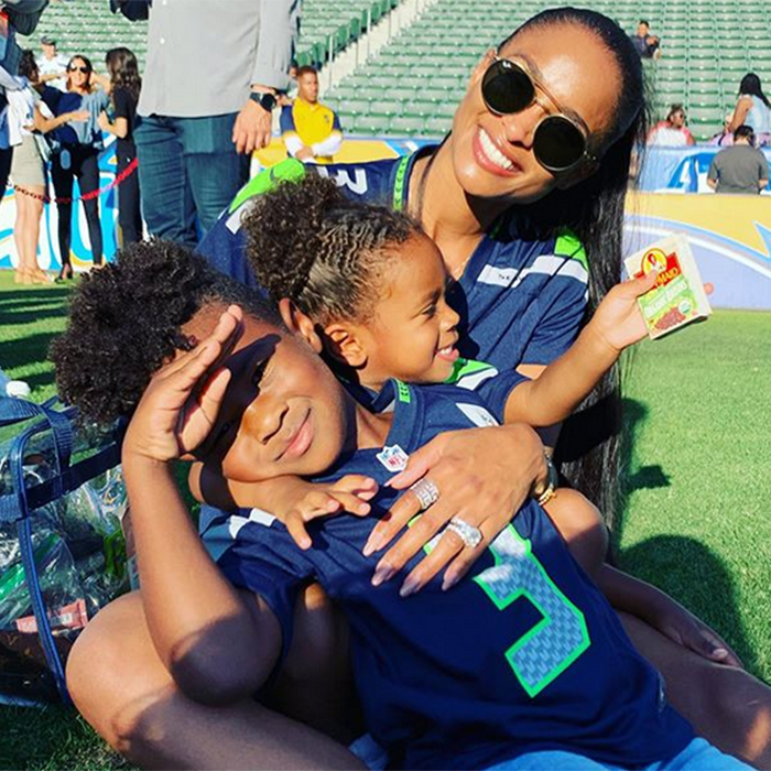 Ciara And The Kids Support Russell Wilson During Pre Season Eew Magazine