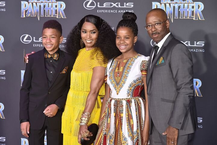 (Left to right) Son Slater, Mom Angela Bassett, daughter Bronwyn, Dad Courtney Vance (Credit: Getty)