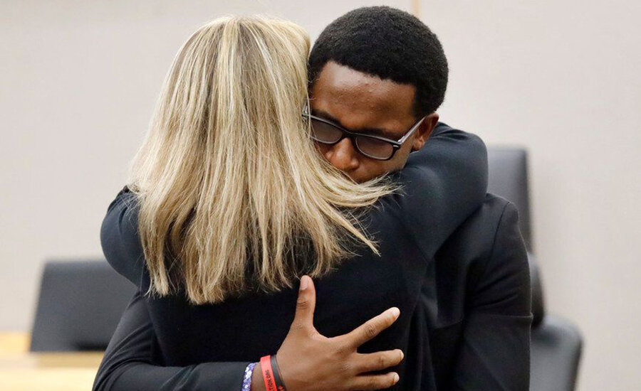 brandt-jean-embraces-amber-guyger-and-forgives-her900.jpg
