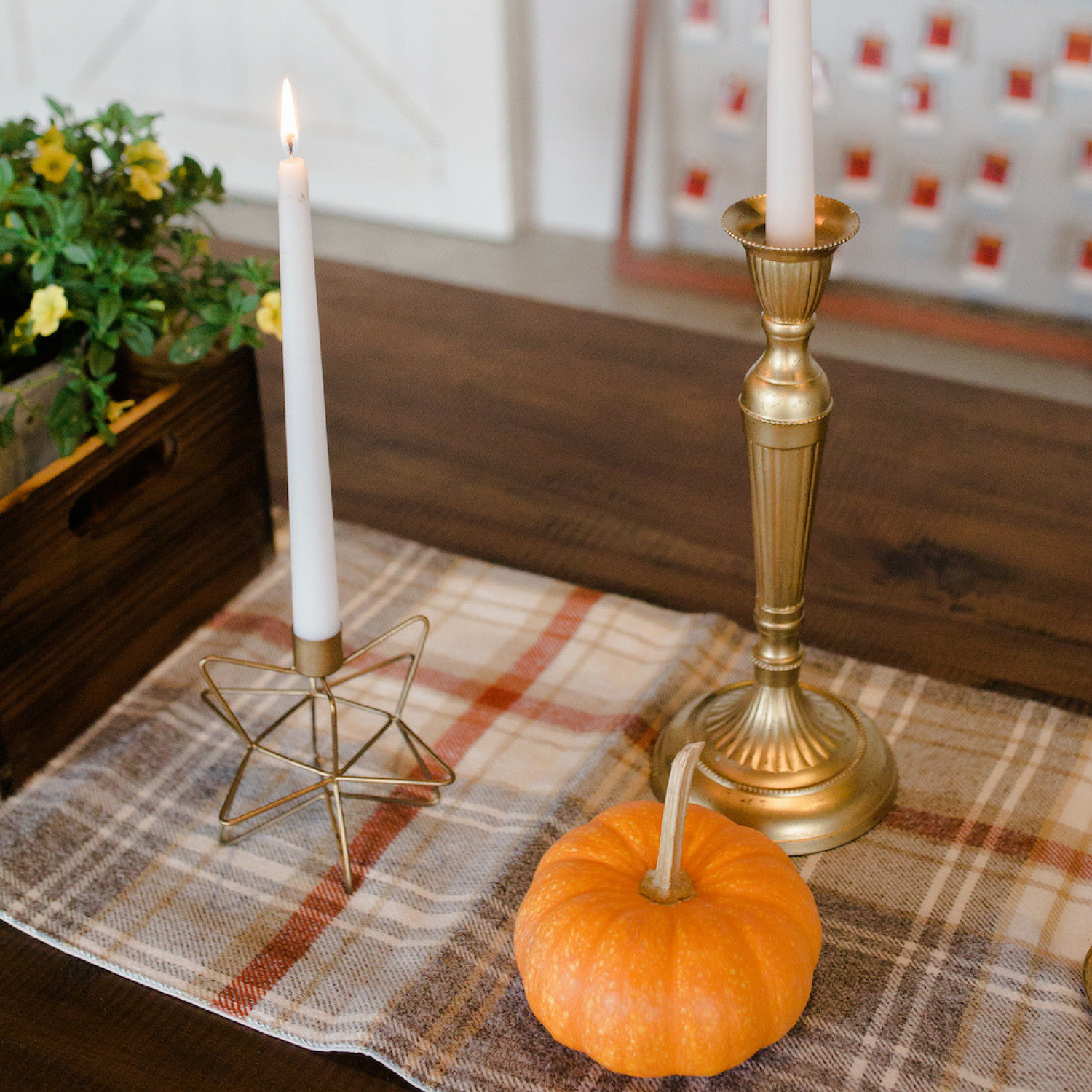 holiday-table-setting-ideast.png