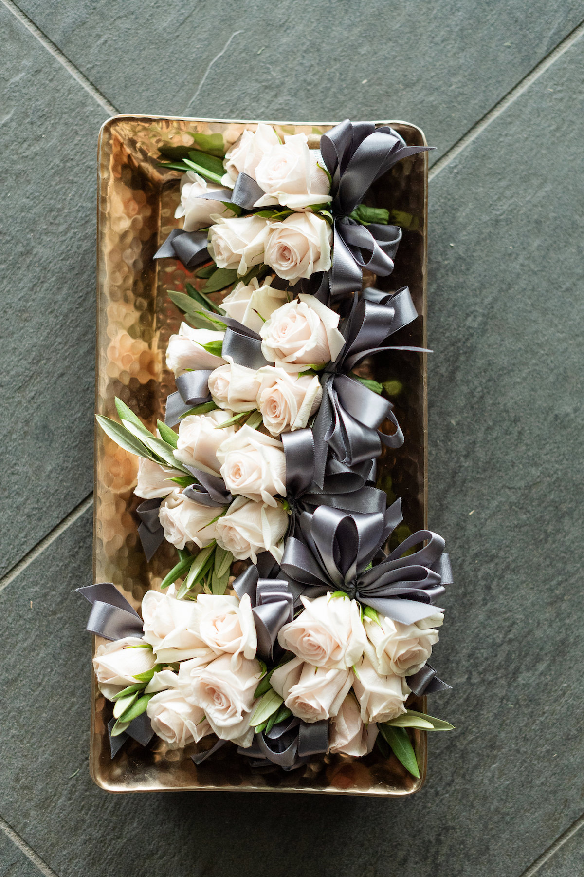 roses, grey ribbon wedding florals