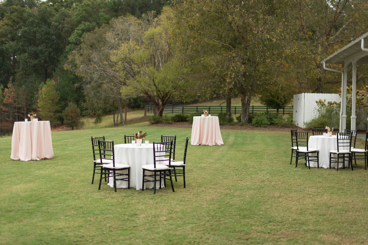 outdoor wedding cocktail hour at Foxhall Resort for modern wedding