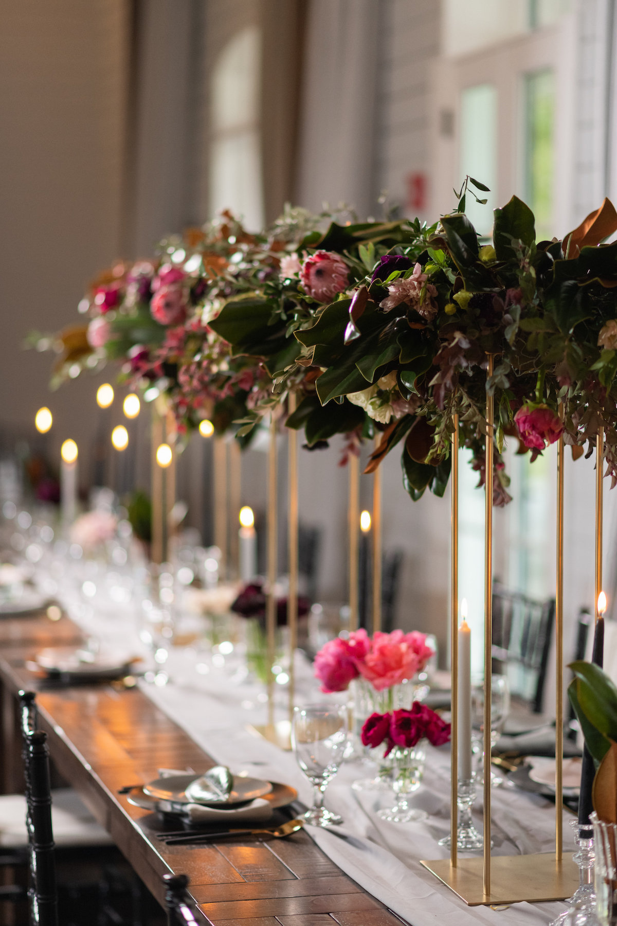 moody & bright florals and colors for fall wedding