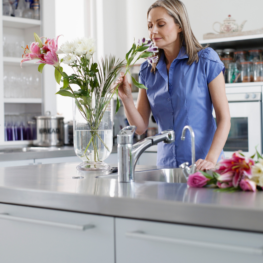 flower tip: place a flower arrangement at your sink.png