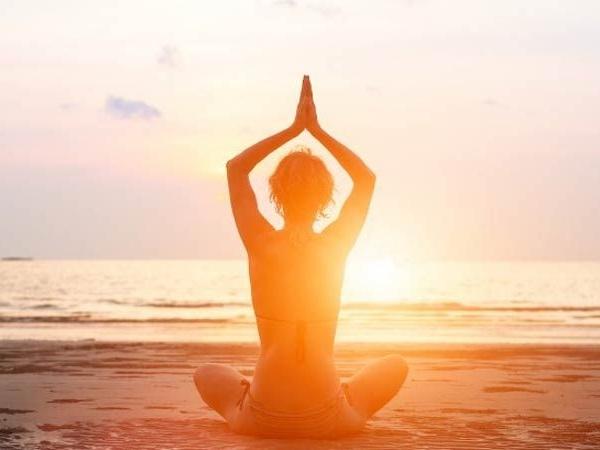 yoga at ocean.jpg