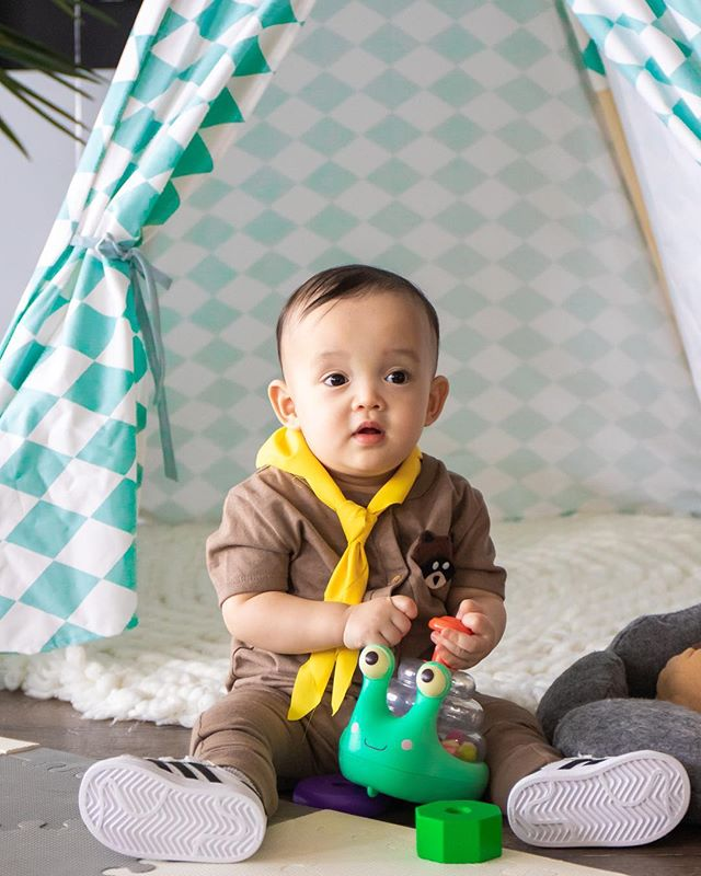 #TBT to little handsome Atlas and his super cute, camping themed birthday 😍 @madelaine_laine . . . . . #lifestylephotography #eventphotography #cakesmash #torontophotographer #babyphotography