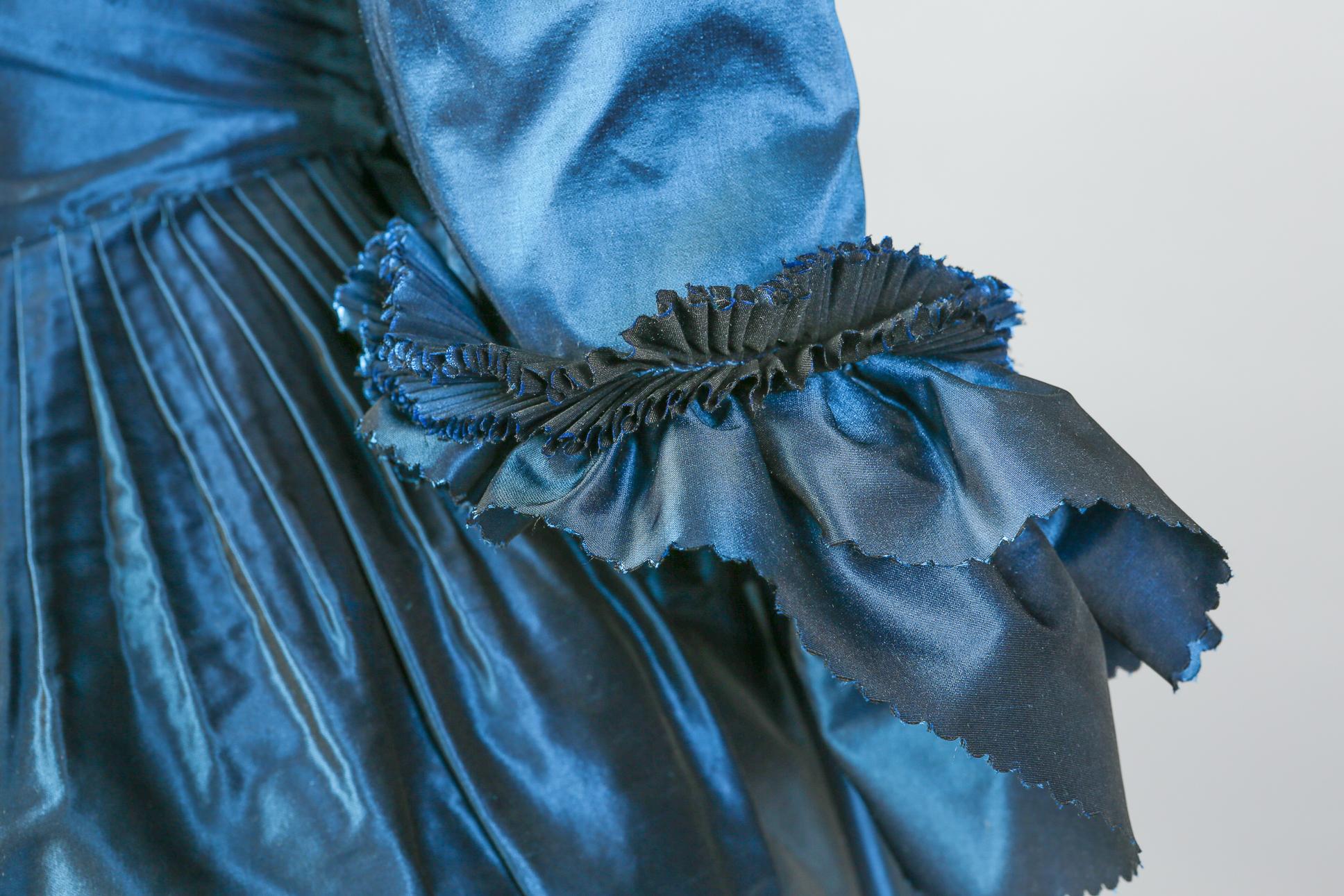 18th_c_gown-05.jpg