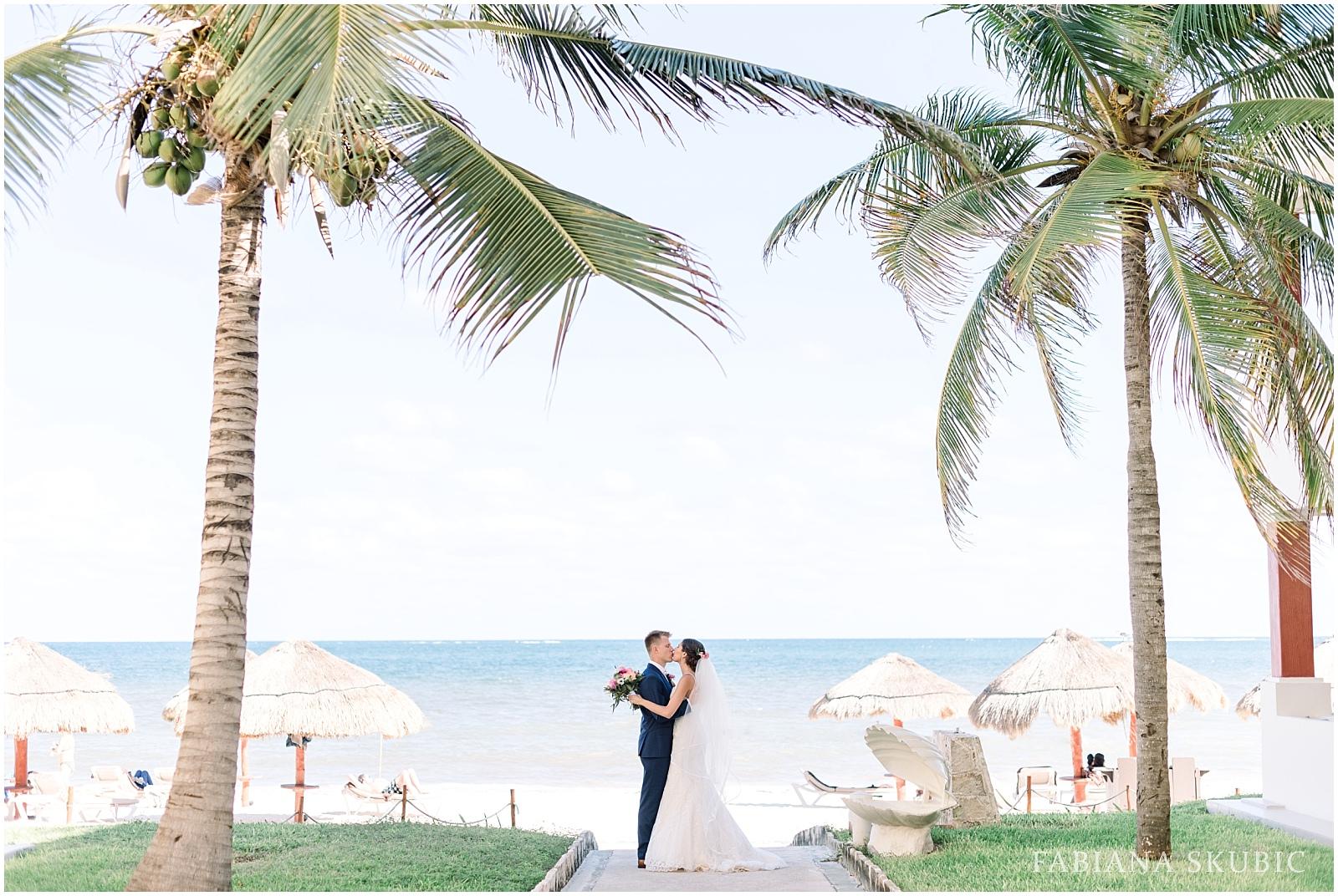 TJ_Now_Sapphire_Riviera_Cancun_Mexico_Wedding_Photos_0194.jpg