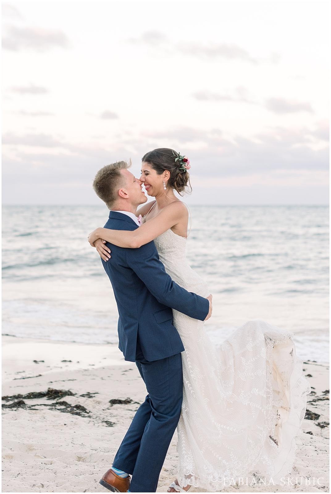 TJ_Now_Sapphire_Riviera_Cancun_Mexico_Wedding_Photos_0277.jpg