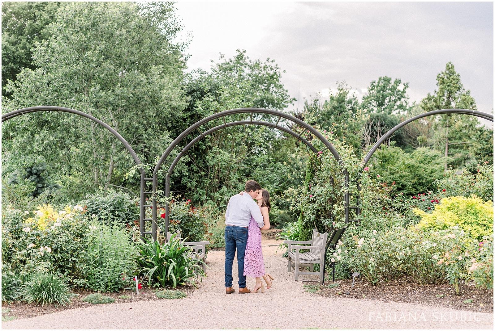 Engagement-Session-Raleigh-Wedding-Photographer-R+R_0021.jpg