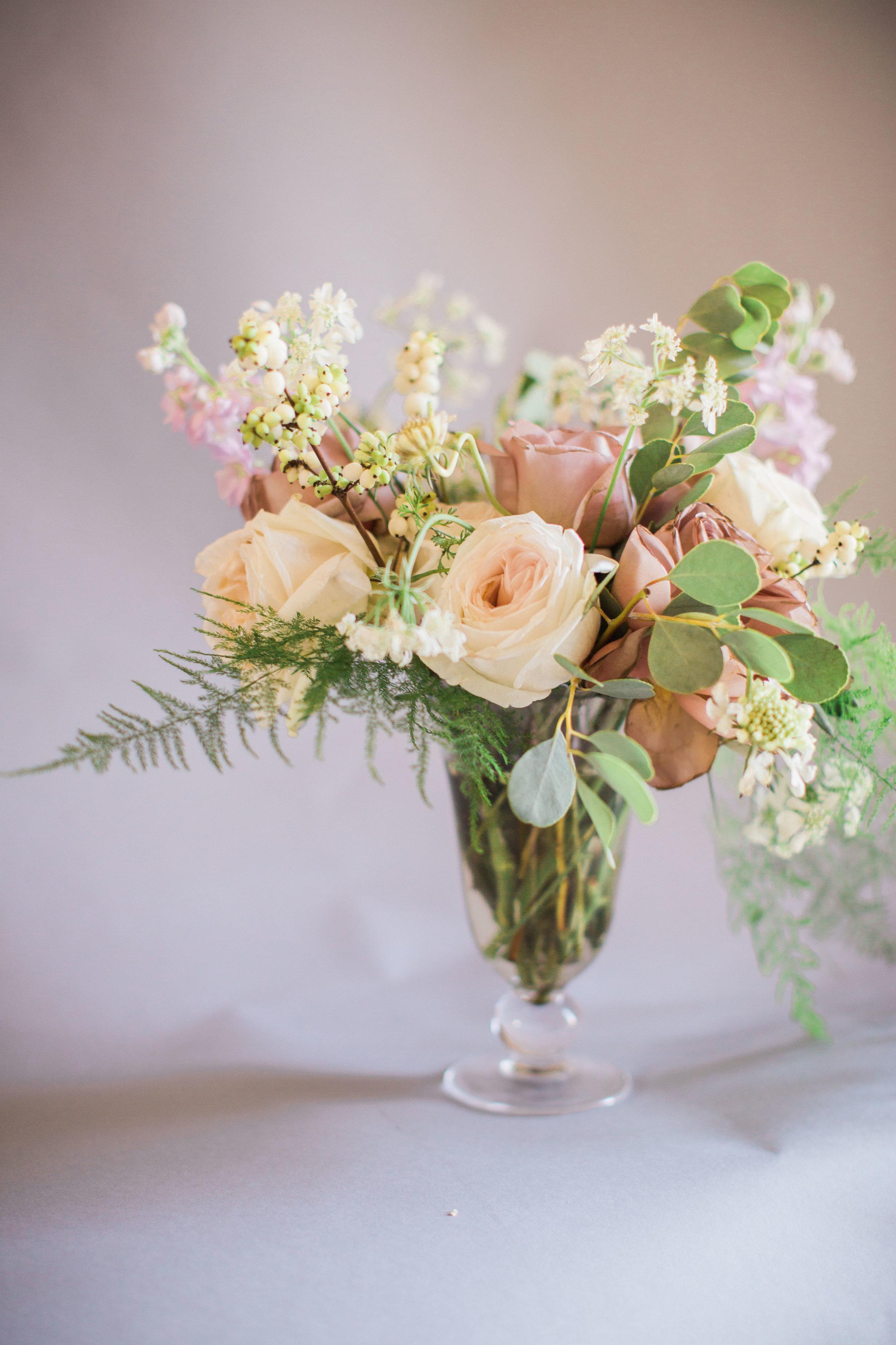 Fine-art-lavender-purple-garden-style-arrangment-lovely-soiree-floral-designs-houston-texas