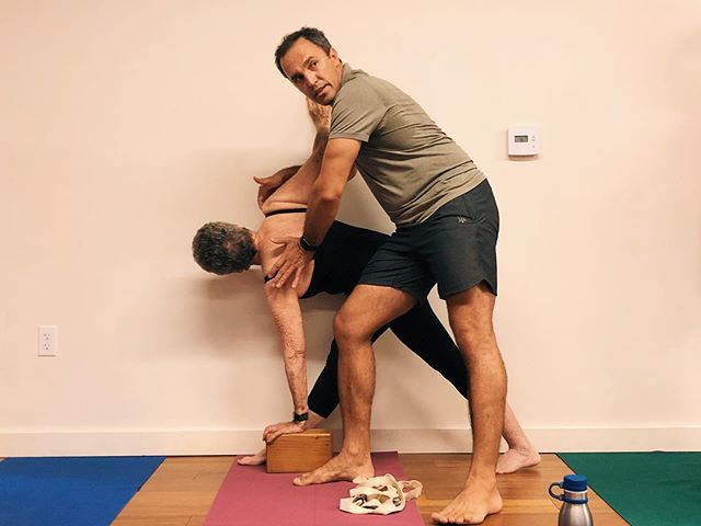 TWIST & DETOX 🌪💊 . . Workshop Description 💡: Cleanse and renew after the Thanksgiving holiday with Certified Iyengar Yoga Teacher (CIYT) @iyengaryogi Vladimir Jandov. In this class, Vlad will break down and refine the nuances of twisting poses, making them more accessible and effective. Balancing twists like Parsva Bakasana and Parivrtta Trikonasana along with many more interesting asanas shall be covered. Modifications will be offered for all levels of practitioners. . . 📆: THIS Sunday, November 25th . ⏱: 3:00-5:30 PM . 📍: @orangecountyyoga studio . 💵: $50 Early Bird Pricing, $60 Day Of . 💬: Register through our profile link or at www.ocyogastudio.com