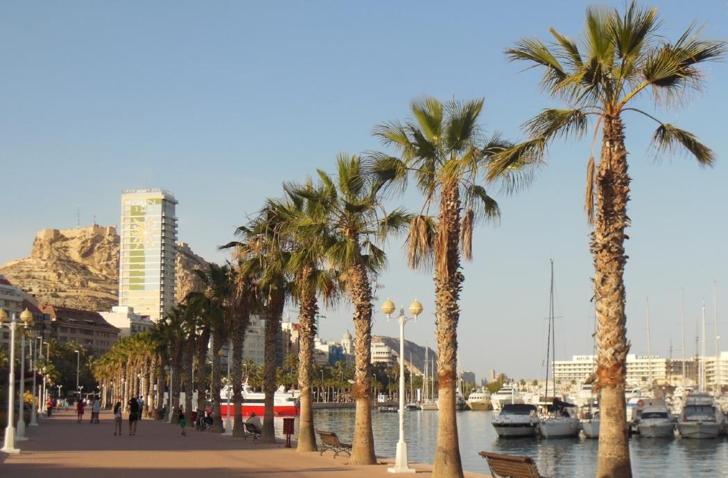 Puerto y Castillo de Alicante