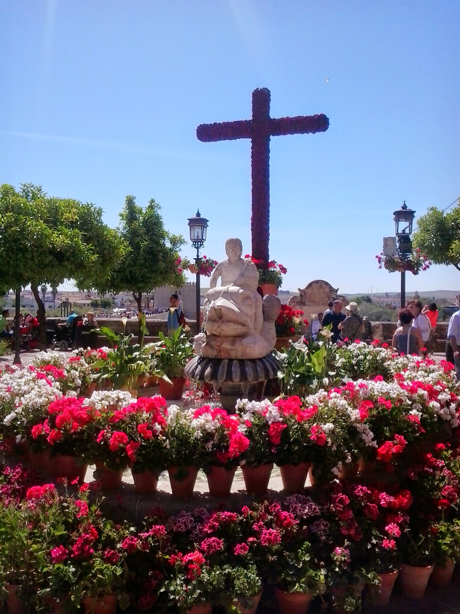 If you visit at the beginning of May, you can enjoy  Las Cruces  celebration.