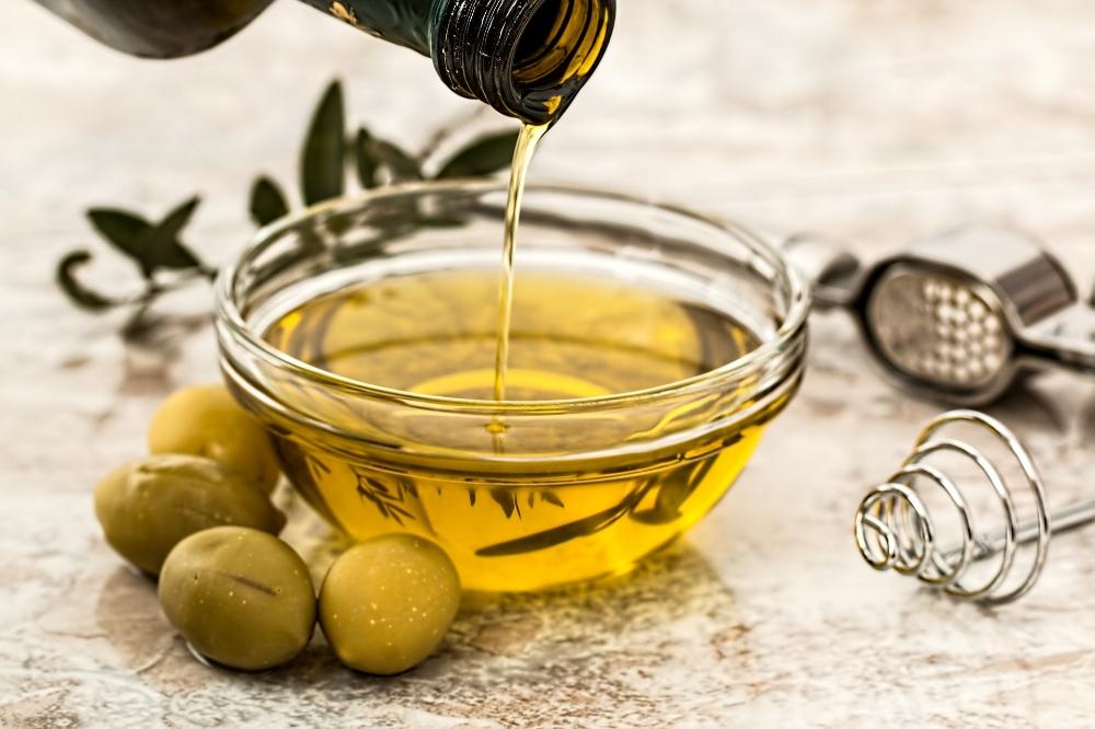 Olive oil. Photo source: Stevepb on Pixabay
