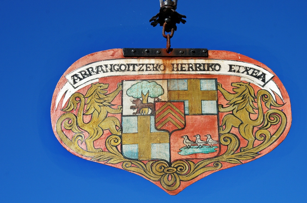 Sign in Basque. Photo Source: Pixabay