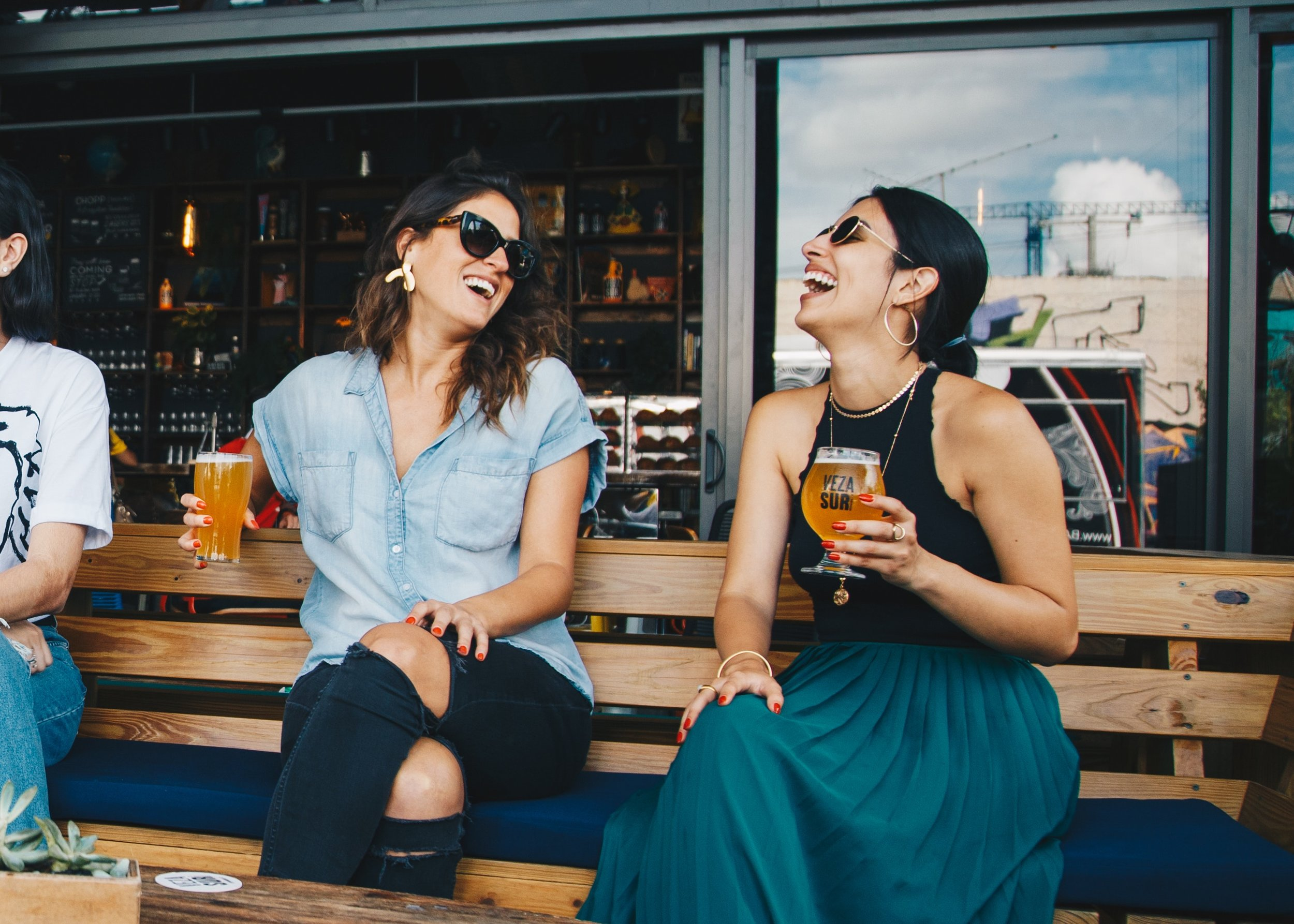 Two girls drinking beer. Photo source ELEVATE on Pexels.