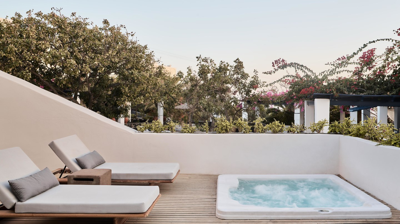 Greece_Santorini_Vedema_presidetial-villa-4504-hor-wide.jpg