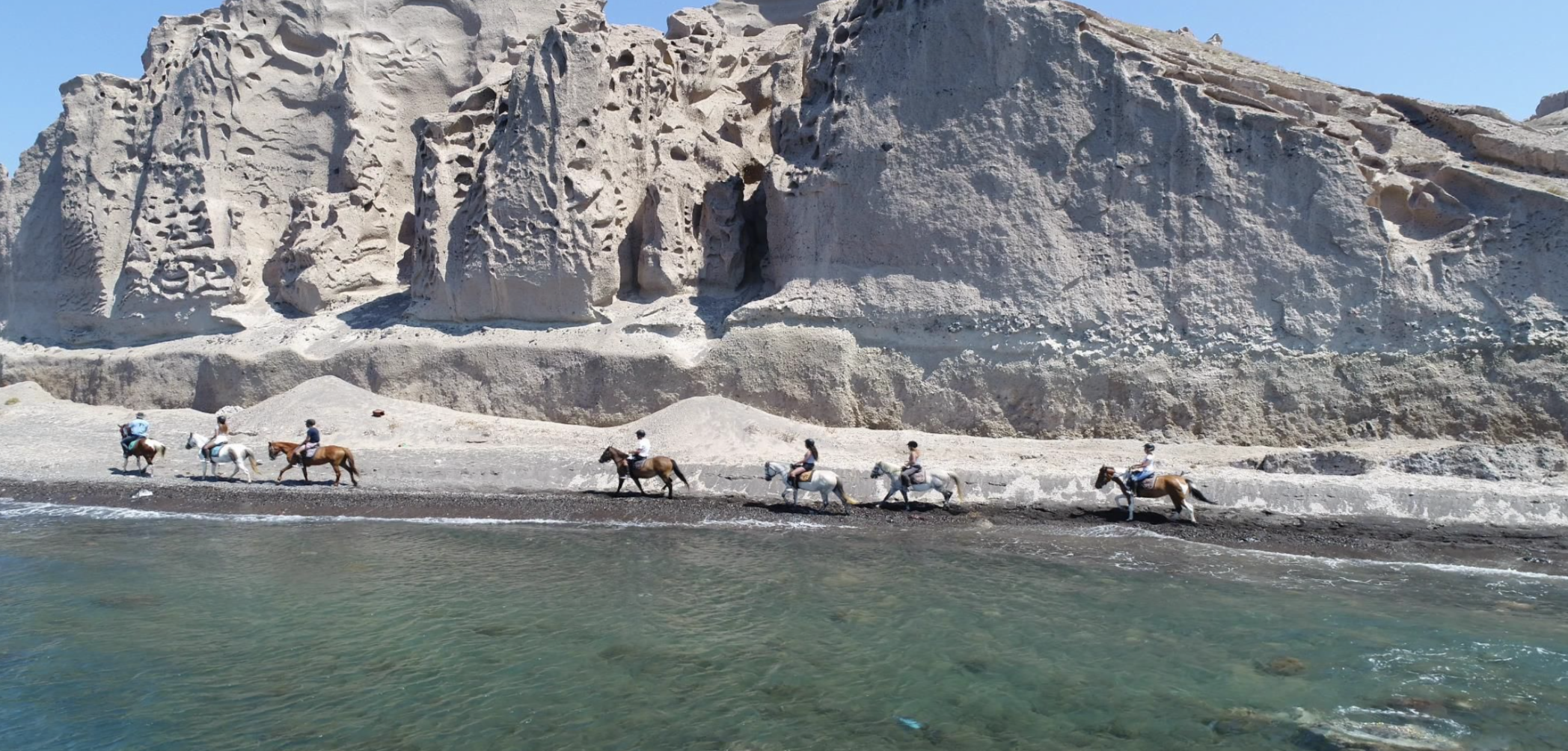 Greece_Santorini_Akrotiri_Horse_Riding.png