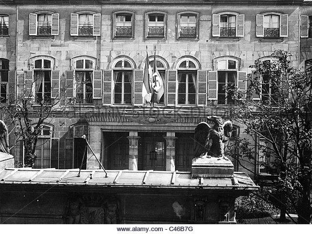 the-german-embassy-in-paris-1933-c46b7g.jpg