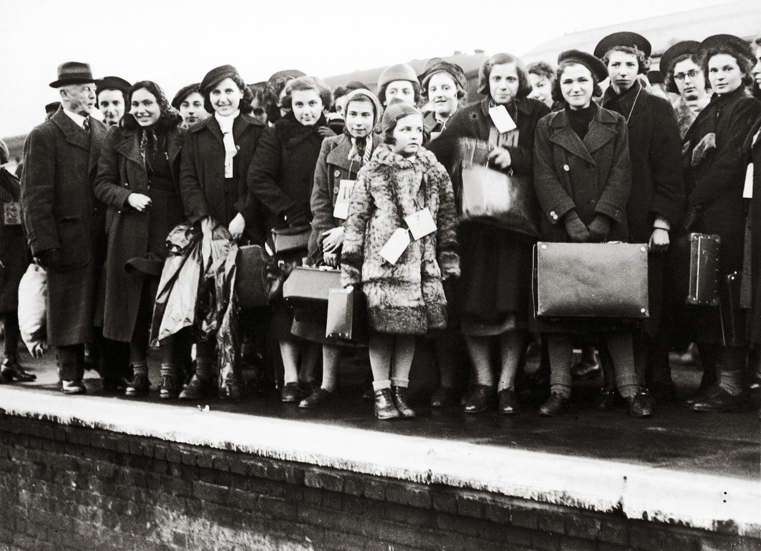 jewish-refugee-children-1938.jpg