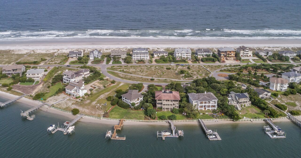 figure 8 real estate aerial photo.jpg