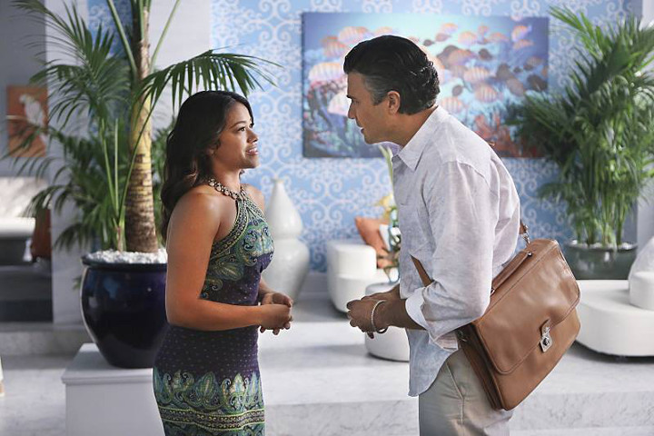 Gina Rodriguez and Jaime Camil. Photo: Facebook.com/janethevirgin