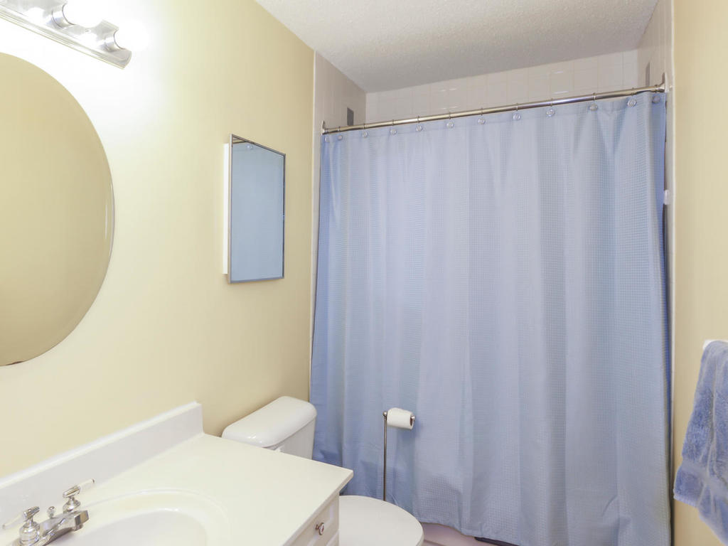 542 Cranbrook Rd London ON N6K-MLS_Size-019-14-Bathroom-1024x768-72dpi.jpg