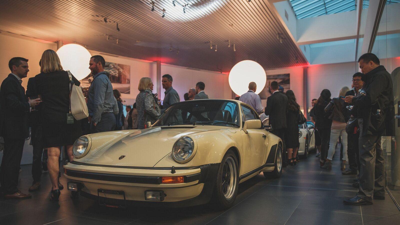 Porsche_Centre_Langley_022.jpg