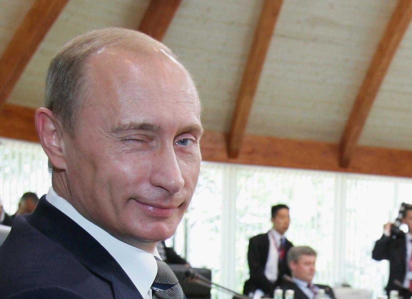 Vladimir-Putin-Wink-e1477989163795.jpg